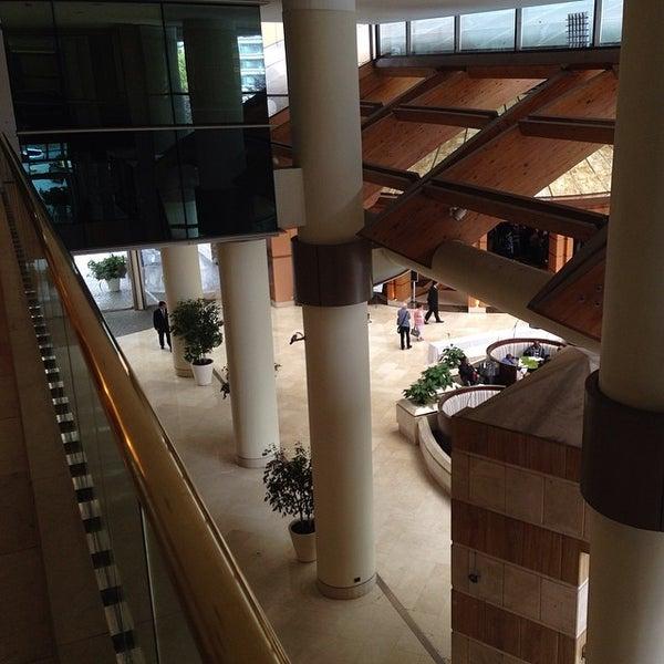 รูปภาพถ่ายที่ Courtyard by Marriott Santiago Las Condes โดย Gonzalo R. เมื่อ 3/15/2014
