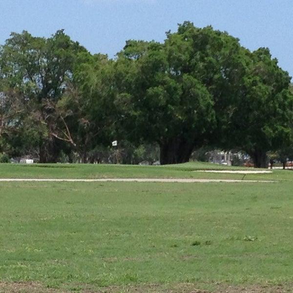 Das Foto wurde bei Palmetto Golf Course von Andrew W. am 4/16/2013 aufgenommen