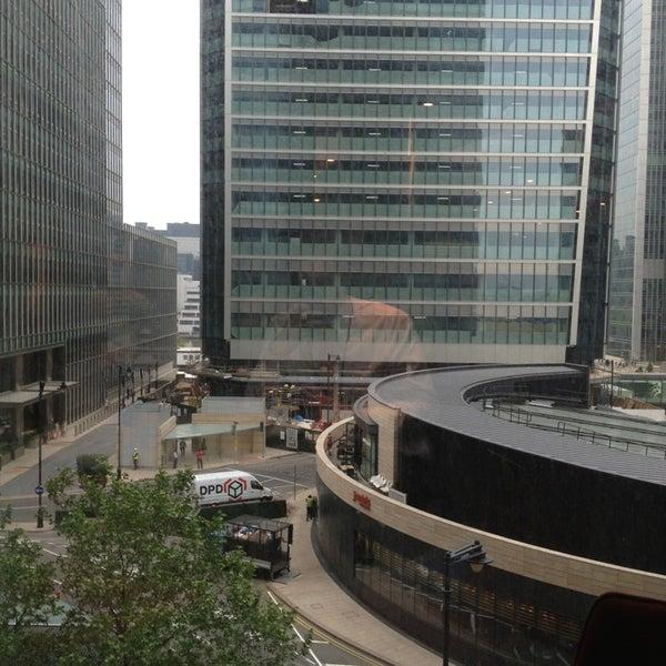 Foto scattata a Canary Wharf da Michael R. il 6/18/2013