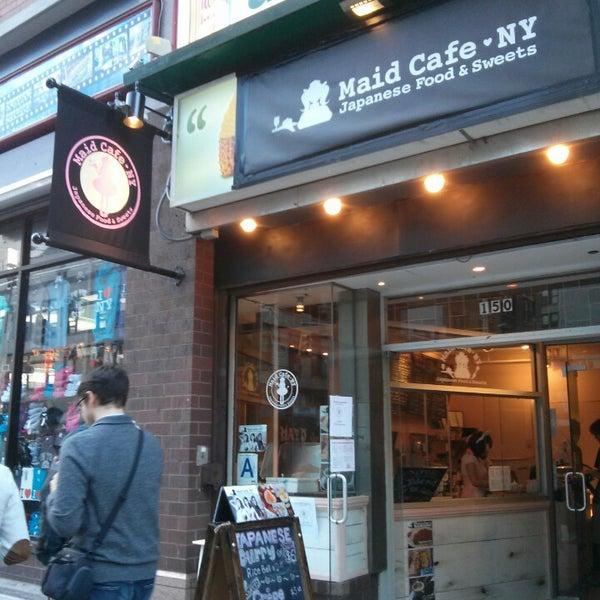 10/12/2013 tarihinde Ventrice L.ziyaretçi tarafından Maid Cafe NY'de çekilen fotoğraf