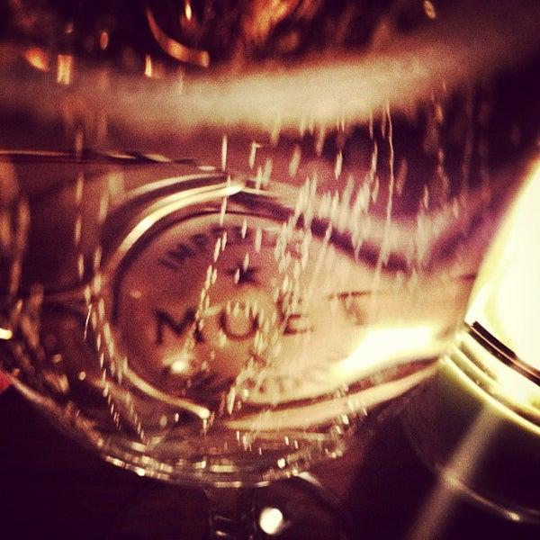 รูปภาพถ่ายที่ Juno โดย ugur v. เมื่อ 12/31/2012