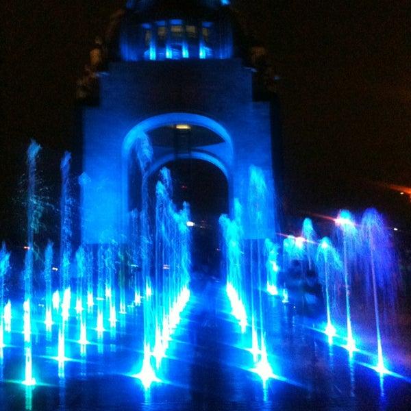 Foto tomada en Monumento a la Revolución Mexicana por Clau B. el 4/7/2013