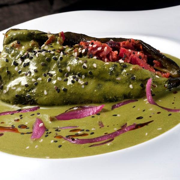 Alguien ya probó el Chile Relleno de Marlin Ahumado en Salsa de Cilantro? se ganó un lugar en nuestra carta... Se los recomendamos!