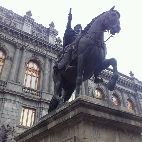 4/16/2013 tarihinde Alicia C.ziyaretçi tarafından Museo Nacional de Arte (MUNAL)'de çekilen fotoğraf