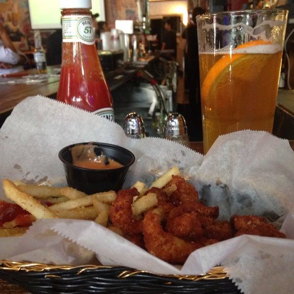 Das Foto wurde bei Opal Bar & Restaurant von Alex R. am 6/13/2014 aufgenommen