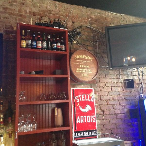 Das Foto wurde bei Opal Bar & Restaurant von Alex R. am 4/11/2013 aufgenommen