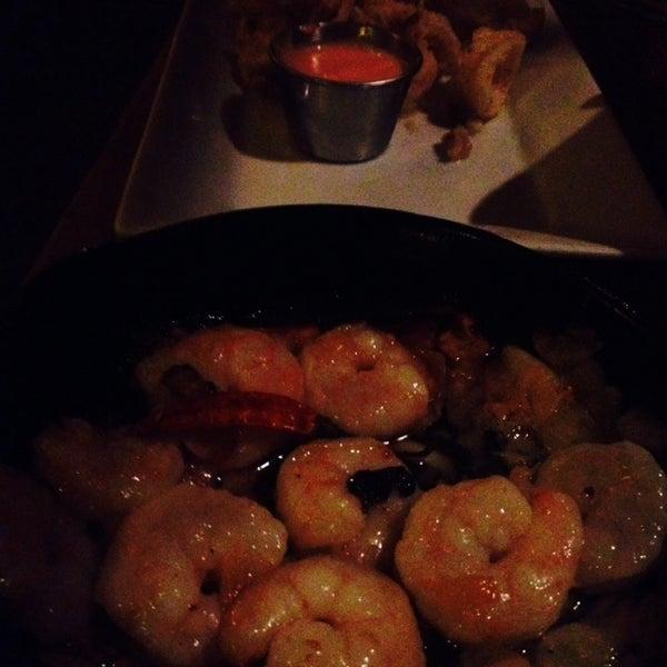 Foto scattata a Tasca Spanish Tapas Restaurant & Bar da Shannan S. il 10/9/2013