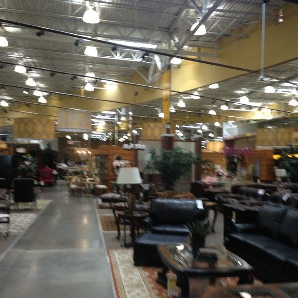 The Dump Furniture Store: Furniture / Home Store In Lindbergh