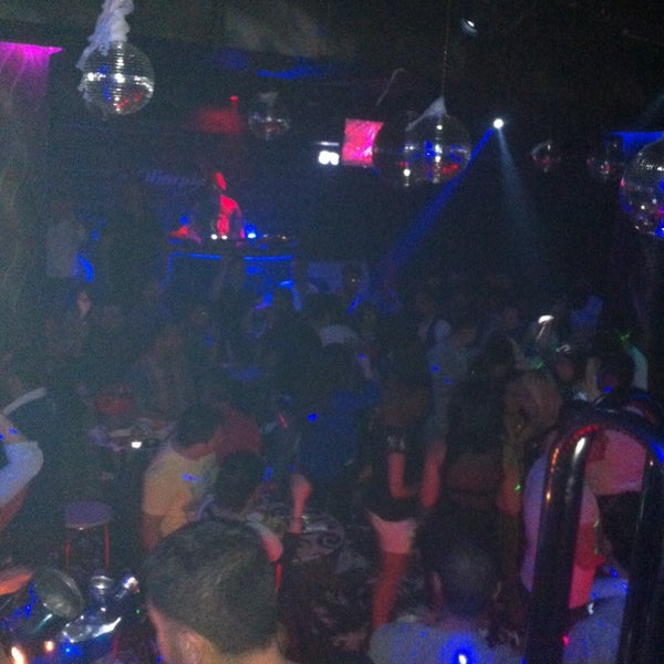 รูปภาพถ่ายที่ Olimpia V.I.P Club โดย !!!OZRLVNT . เมื่อ 4/26/2014
