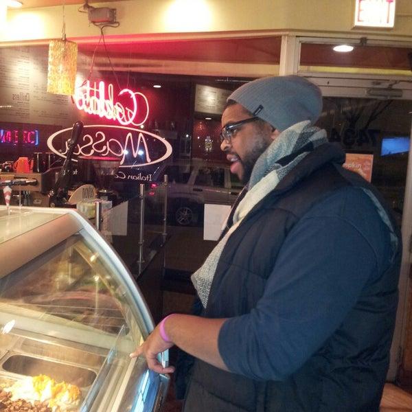 Foto diambil di Massa Cafe Italiano oleh Dayvin H. pada 11/10/2013
