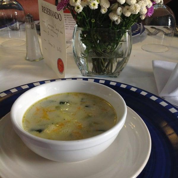 Foto scattata a Catedral Restaurante & Bar da Chiken R. il 7/21/2013