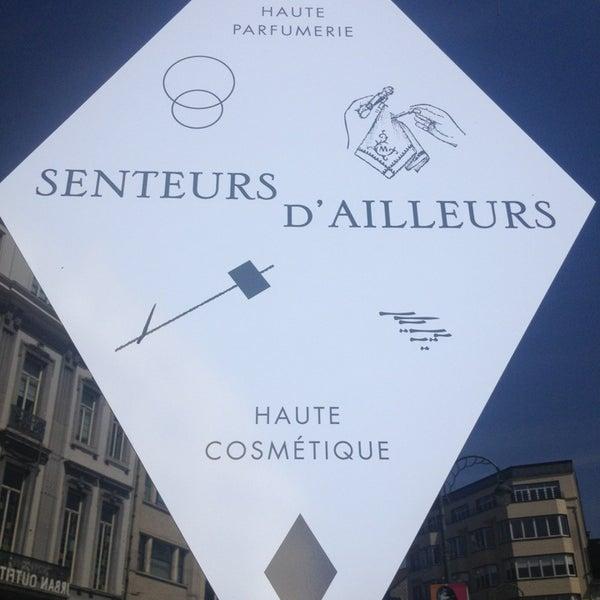4/22/2013 tarihinde Laura C.ziyaretçi tarafından Senteurs d'Ailleurs'de çekilen fotoğraf