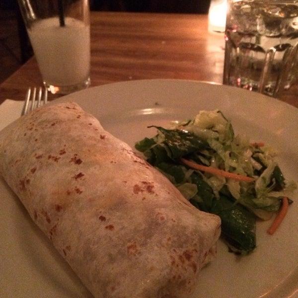 1/2/2014にSonia G.がCariño Restaurant and Cantinaで撮った写真