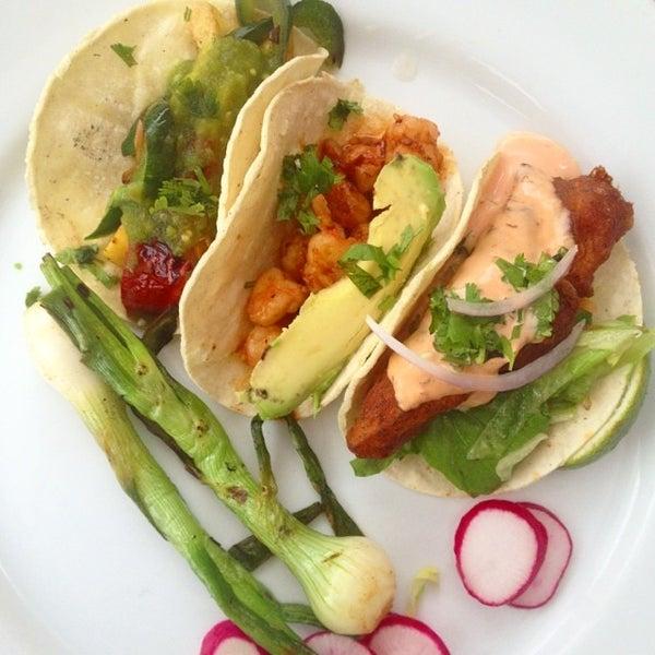 6/10/2014にLeigh G.がCariño Restaurant and Cantinaで撮った写真