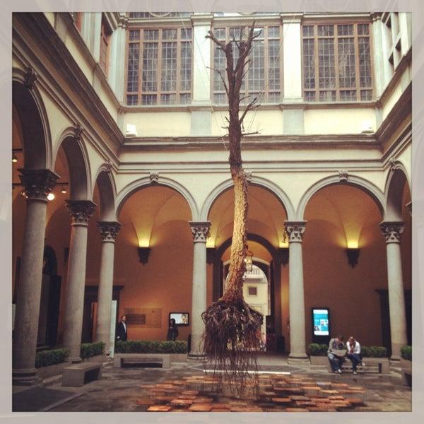 Photo prise au Palazzo Strozzi par Alice F. le5/21/2013