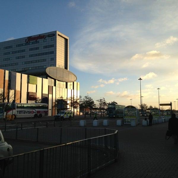 รูปภาพถ่ายที่ Liverpool John Lennon Airport (LPL) โดย Switch K. เมื่อ 2/21/2014