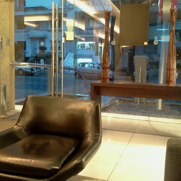 Foto diambil di My Suites Boutique Hotel & Wine Bar Montevideo oleh Ade A. pada 8/1/2013