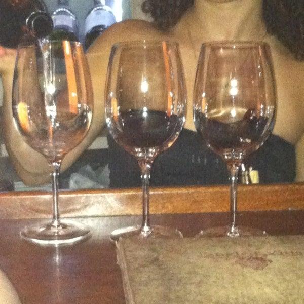 4/13/2013にMaxi B.がThe Tangled Vine Wine Bar & Kitchenで撮った写真