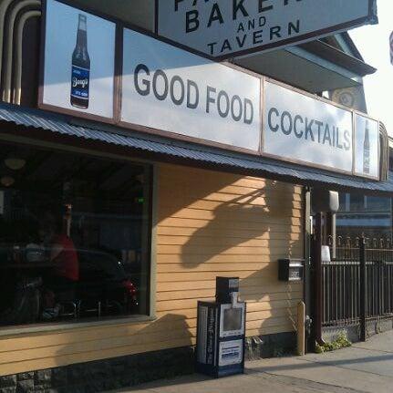 1/5/2012にLarry G.がParkway Bakery & Tavernで撮った写真