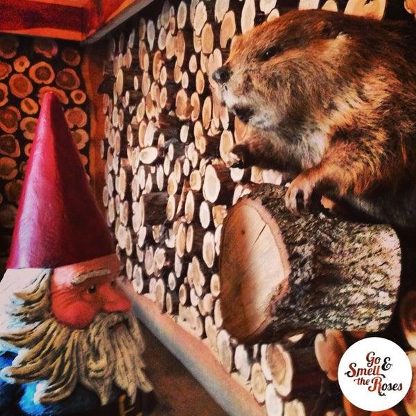 Das Foto wurde bei Buzzmill Coffee von Roaming Gnome am 10/4/2013 aufgenommen