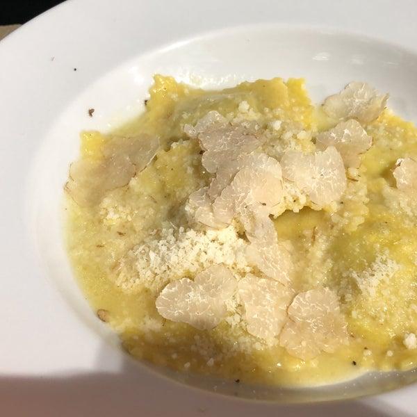รูปภาพถ่ายที่ Matteo Cucina Italiana โดย Nerea O. เมื่อ 1/25/2019