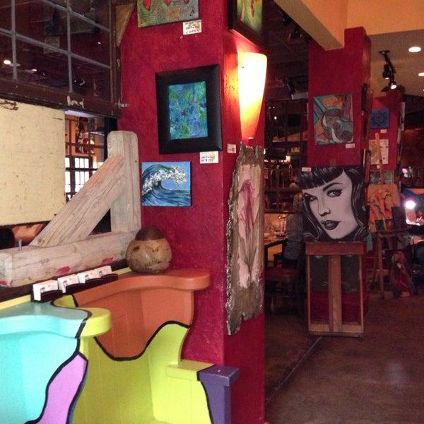 Foto diambil di Café Tu Tu Tango oleh Jen P. pada 5/11/2013