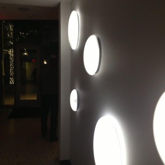 Photo prise au Dee Lincoln's Bubble Bar & Private Events par Raimundo M. le11/9/2012