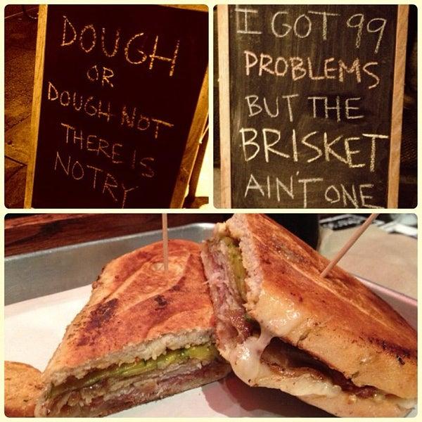 Foto tirada no(a) JoeDough Sandwich Shop por Dave E. em 10/4/2012