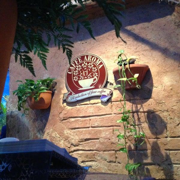 5/9/2013 tarihinde Abdullah S.ziyaretçi tarafından Caffe Aroma Ksa'de çekilen fotoğraf