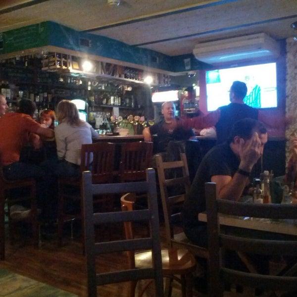 9/30/2013 tarihinde Котофотziyaretçi tarafından Thistle Pub'de çekilen fotoğraf