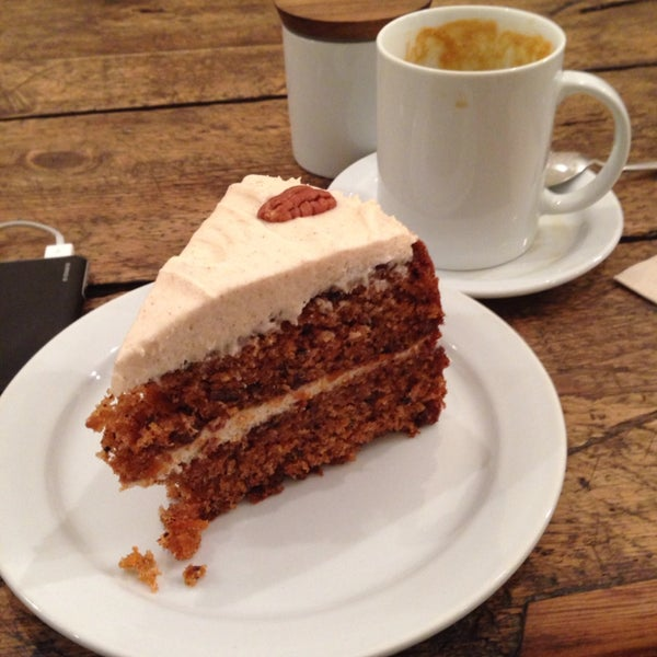 Carrot cake and caramel latte.