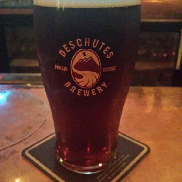 Снимок сделан в Deschutes Brewery Bend Public House пользователем Jack R. 10/24/2013
