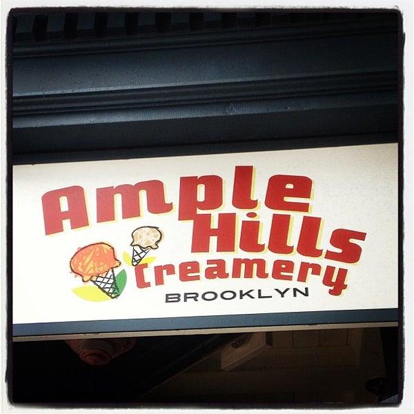 Снимок сделан в Ample Hills Creamery пользователем Fern R. 7/21/2013