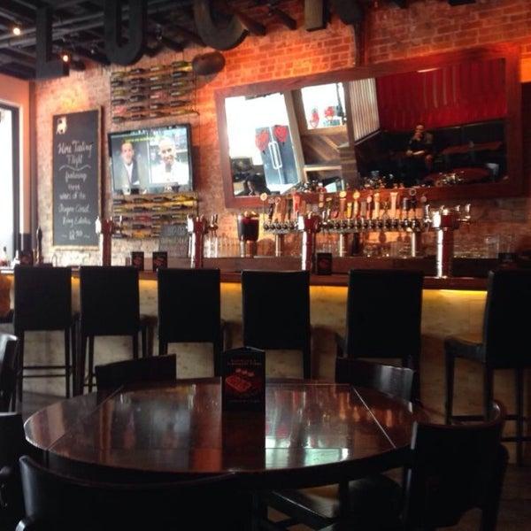 Снимок сделан в Lucky's Tavern пользователем Chad B. 7/14/2014