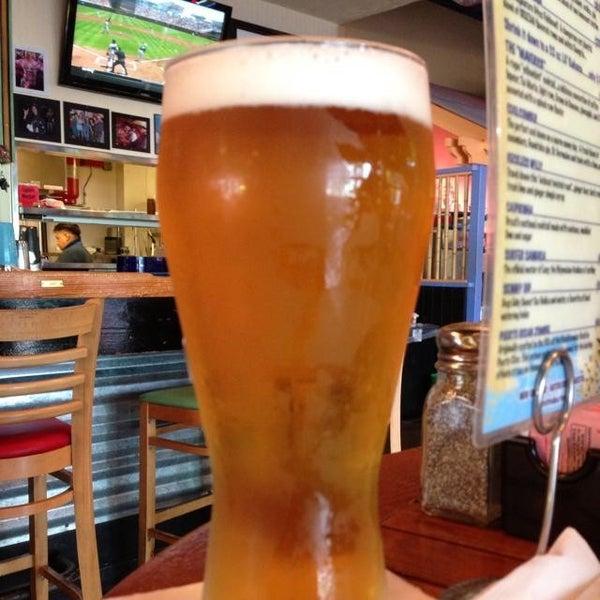 Foto diambil di Lucy's Retired Surfers Bar and Restaurant oleh Chad B. pada 6/18/2013