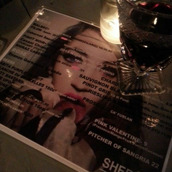 6/6/2013 tarihinde Grace P.ziyaretçi tarafından Shervin's Cafe'de çekilen fotoğraf