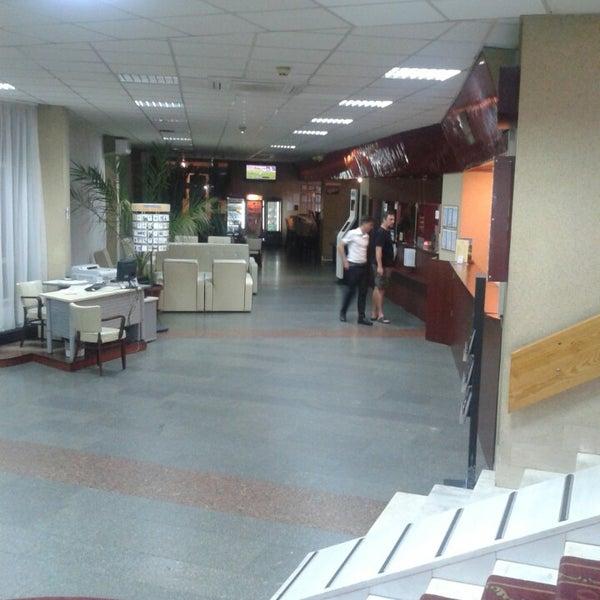 8/1/2013 tarihinde Vadim A.ziyaretçi tarafından Готель «Славутич»  / Slavutych Hotel'de çekilen fotoğraf