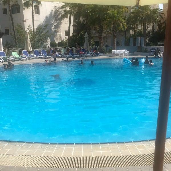 รูปภาพถ่ายที่ Rimal Hotel & Resort โดย Enezy เมื่อ 8/3/2019