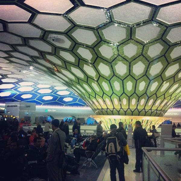 Photo prise au Abu Dhabi International Airport (AUH) par Jaehwa J. le2/20/2013