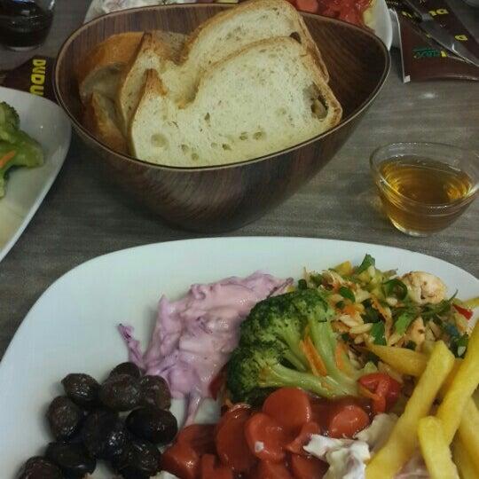 Foto tomada en Dudu Cafe Restaurant por 👑Zeynep T. el 11/1/2015
