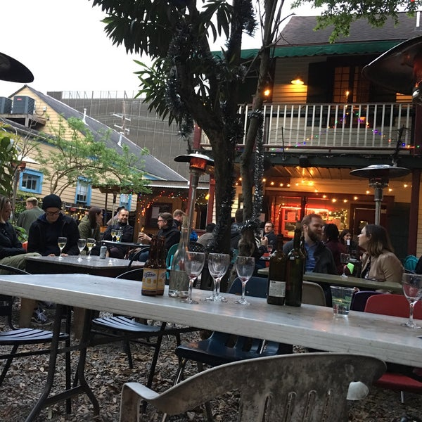 outdoor courtyard with live music 👍🏻