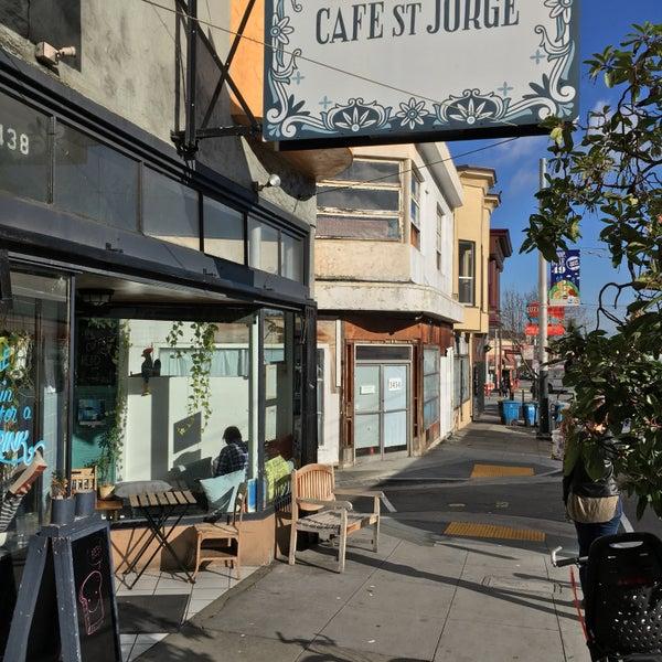 Das Foto wurde bei Cafe St. Jorge von T. L. am 1/25/2017 aufgenommen