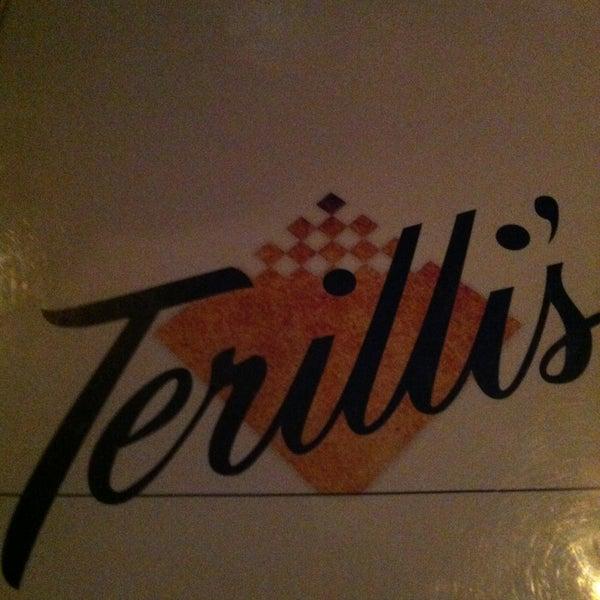 รูปภาพถ่ายที่ Terilli's โดย Jim G. เมื่อ 2/9/2013
