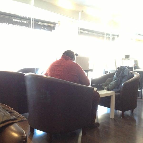 2/13/2013にFer A.がScandalous Loungeで撮った写真
