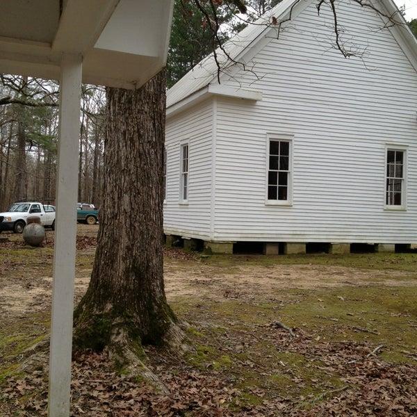 Foto tirada no(a) Liberty Universalist Church por Brandi C. em 1/13/2013
