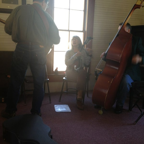 Foto tirada no(a) Liberty Universalist Church por Brandi C. em 2/24/2013