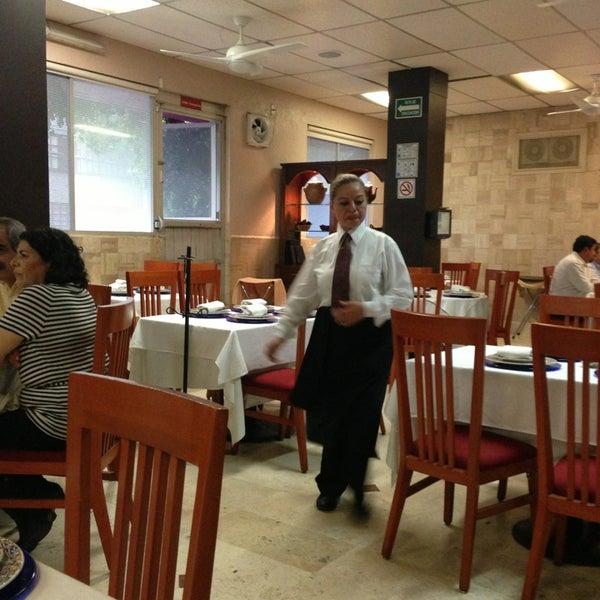 Das Foto wurde bei Restaurante Nicos von Max D. am 7/18/2013 aufgenommen