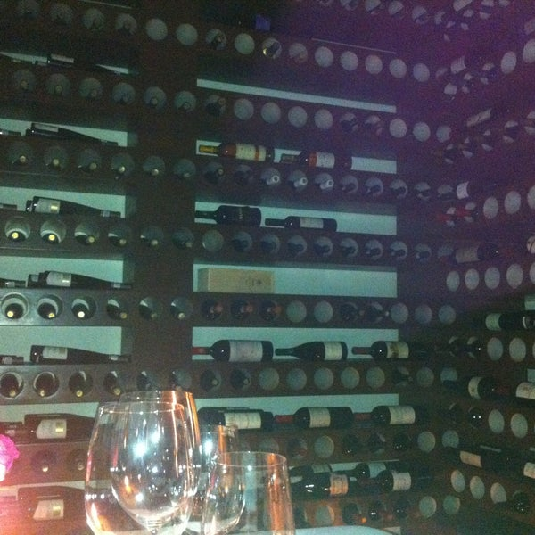 รูปภาพถ่ายที่ Jaso Restaurant โดย Santiago D. เมื่อ 5/12/2013