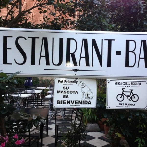 Foto scattata a Museo Evita Restaurant & Bar da Caro M. il 7/14/2013