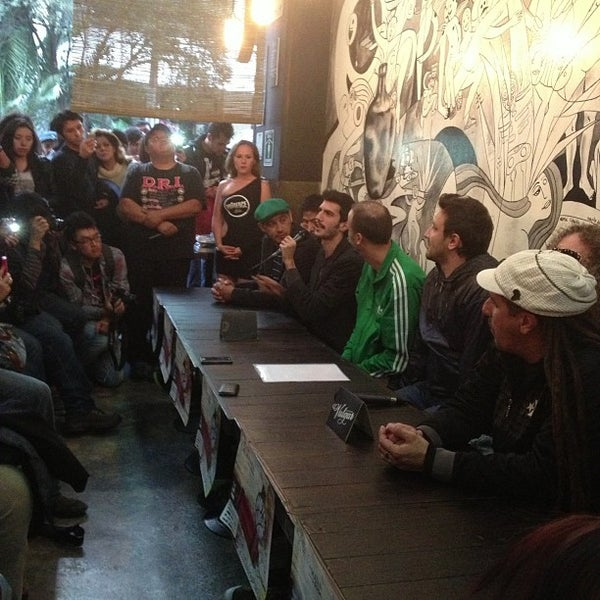 รูปภาพถ่ายที่ Mezcaleria Vulgar โดย Rodrigo L. เมื่อ 11/21/2012